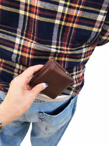 海外での現金の持ち運びには注意!保証は効きません……。