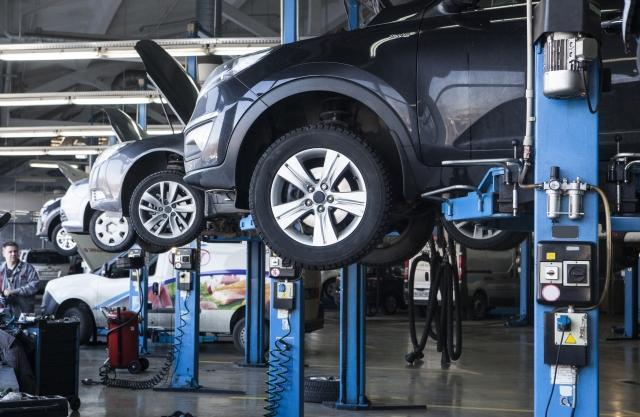 車検代はクレカやローンで分割可:頭金不足・ブラック状態での車検対策は?