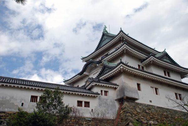 和歌山県から申し込める主なカードローンの金利・審査難易度比較