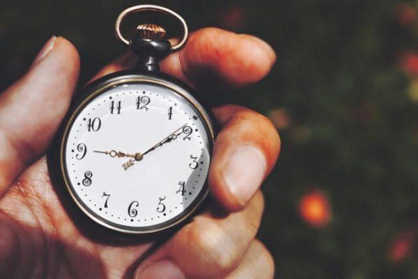 レイクALSAに聞いた!自動契約機なら「21時半」までの申込みで即日融資OK(日曜除く)