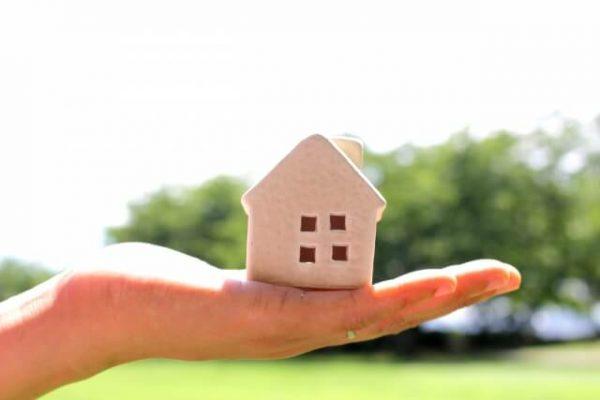 【無審査】貯蓄型の生命保険や定期預金を利用しているなら、それを担保に借りられるかも
